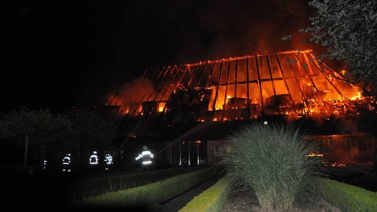 Ein unbewohntes Bauernhaus brannte in Aetingen nieder.