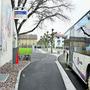 Diese Bushaltestelle in Hunzenschwil ist bereits behindertengerecht – die meisten anderen im Aargau sind es nicht.