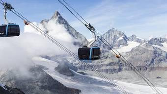 Nach über zweijähriger Bauzeit hat Zermatt am Samstag die höchstgelegene Dreiseilumlaufbahn der Welt eingeweiht.