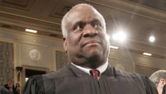 Schweigendes Mitglied des höchsten US-Gerichts: Richter Clarence Thomas (Archiv)