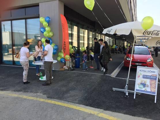 Die Food- und Beautymeile «Gleis 1» in Suhr wurde am Samstag eröffnet.