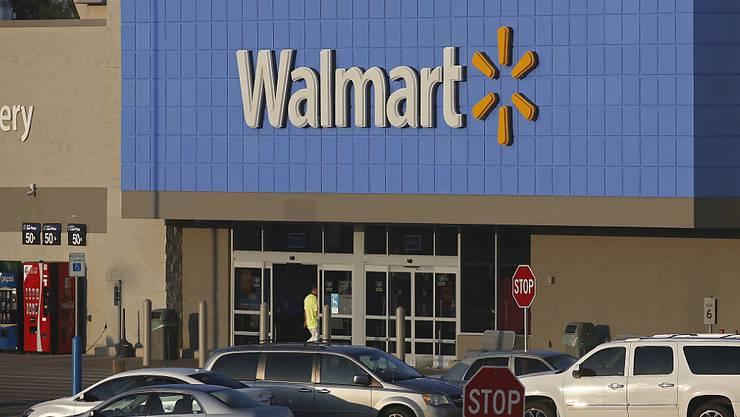 Nach Walmart haben sich in den USA zahlreiche Einzelhändler einer Initiative gegen das offene Tragen von Waffen in ihren Geschäften angeschlossen. (Archivbild)