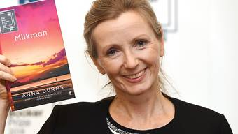 """Die nordirische Autorin Anna Burns wurde für ihren Roman """"Milkman"""" mit dem diesjährigen Man Booker Prize geehrt - dem wichtigsten britischen Preis für englischsprachige Literatur."""
