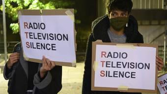 Die Enthüllungen über das giftige Klima beim RTS hat zu Protesten geführt. (KEYSTONE/Laurent Gillieron)