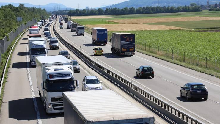 Die Autobahn A1 zwischen Oensingen und Niederbuchsiten.