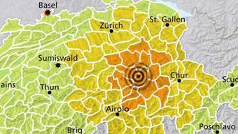 Das Epizentrum des Erdbebens befindet sich in Ortstock SZ, nahe des Klausenpasses.