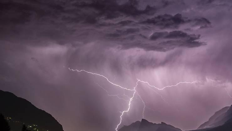 In Teilen der Schweiz hat es am Freitag heftig gewittert. (Symbolbild)