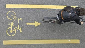 Bei der Einweihungsfeier werden auf dem neuen Rad- und Gehweg Rundfahrten mit einer Bimmelbahn stattfinden. (Symbolbild)