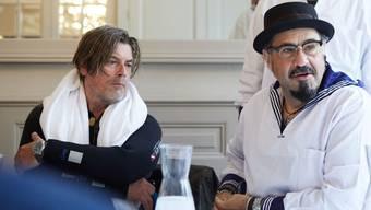 Tino Krattiger (für einmal im Tauchanzug) und Gaetano Florio stellen das Floss-Programm vor.