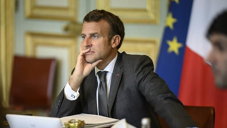 Frankreichs Präsident Emmanuel Macron muss eine Wahlschlappe hinnehmen. (Archivbild)
