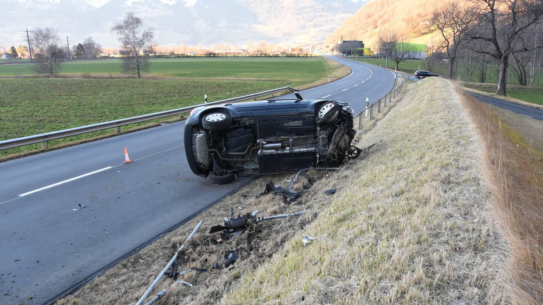 Der 53-jährige Fahrer blieb beim Unfall unverletzt.