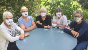Die fünf Rentnerinnen von Nina Masken lassen sich während der Coronakrise keineswegs unterkriegen.