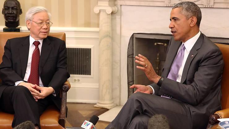 US-Präsident Obama im Gespräch mit dem Vorsitzenden der in Vietnam herrschenden  Kommunistischen Partei, Nguyen Phu Trong