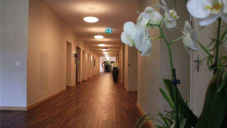 Edles Parkett statt Spitalboden. Die bisherige Privatabteilung wurde komplett modernisiert und von 16 auf 26 Betten vergrössert.