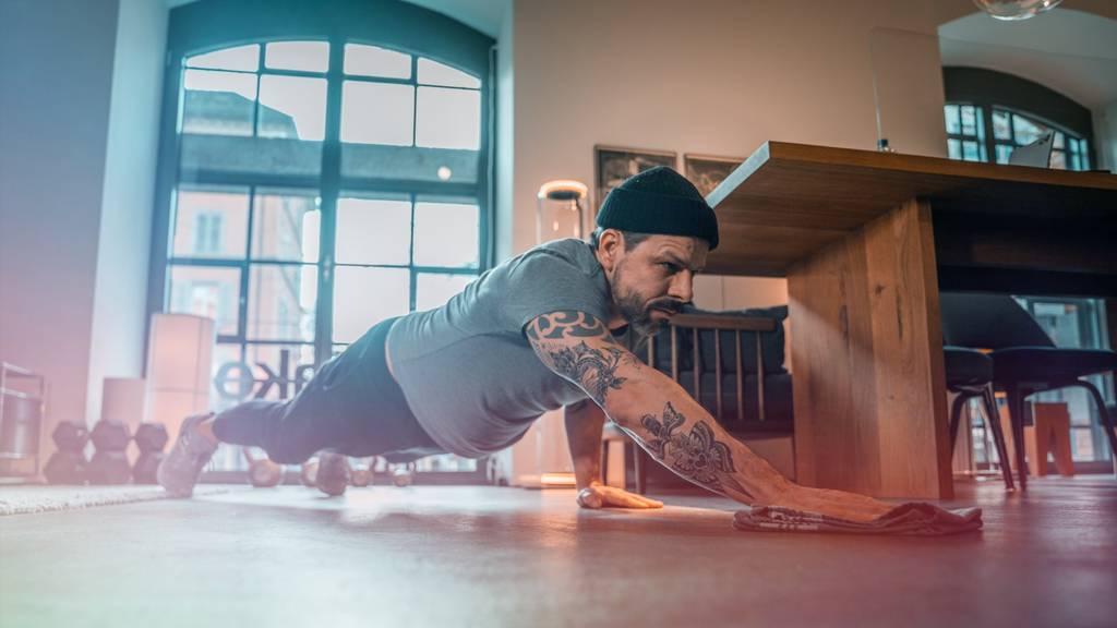 Definierte Arme und flacher Bauch: Das gelingt mit diesem Workout