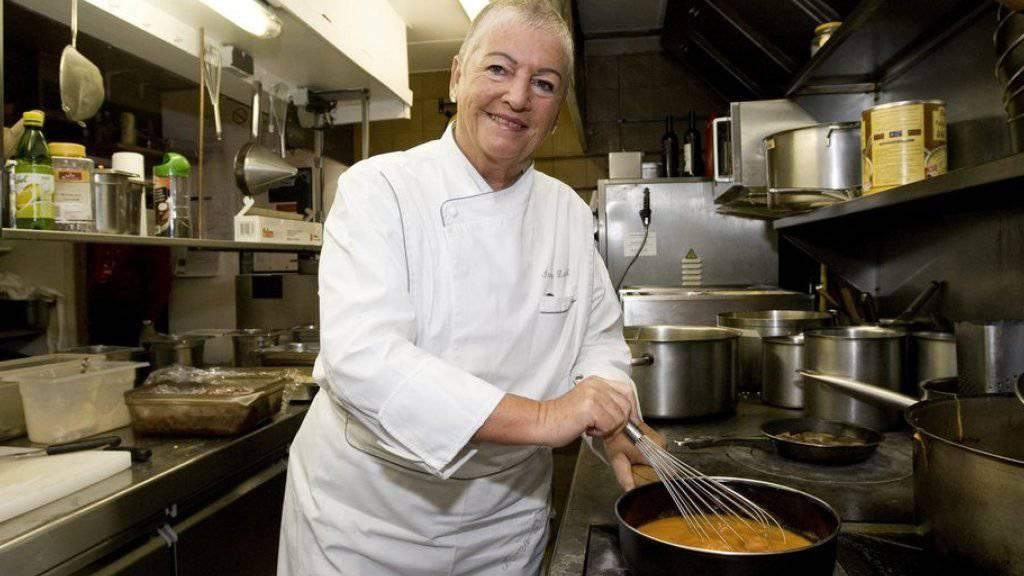 Irma Dütsch hat sich in der Küche durchgesetzt und ist die erste Frau, die einen Michelin-Stern erhalten hat (Archiv)