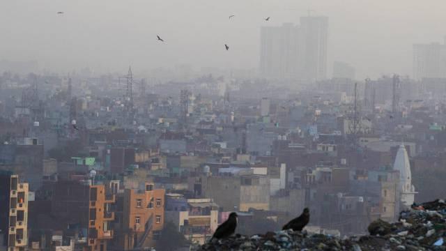 Dreckige Luft über Neu Delhi, Indien (Archiv)