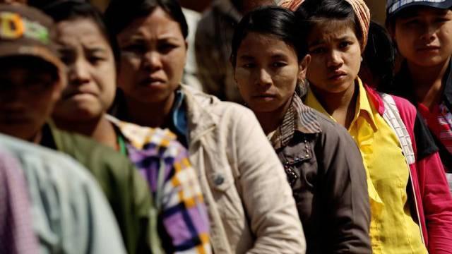Flüchtlinge aus der Region Shan fliehen nach China (Archiv)