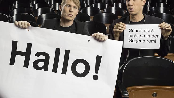 Sind für den Schweizer Kleinkunstpreis 2018 nominiert: Christof Wolfisberg (links) und Jonas Anderhub vom Luzerner Komikerduo Ohne Rolf. (Archivbild)