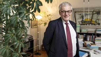 Stadtpräsident Kurt Fluri sieht die Attacken seiner politischen Gegnerschaft gelassen.