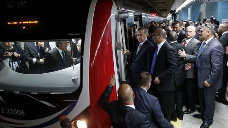 Das Interesse am neuen Tunnel war während der Eröffnungsfeier riesig.