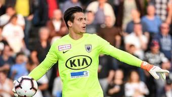 Konnte in der laufenden Saison nur drei Meisterschaftsspiele bestreiten: Aarau-Goalie Steven Deana, hier im Spiel gegen Servette in Aktion.