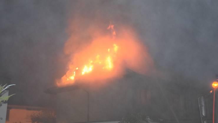 In Kriegstetten brannte am Mittwochmorgen ein Haus.
