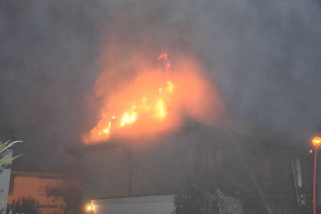 The façade of the house was burned, as a result, the fire spread to the roof, which was completely burnt. Residents could escape from home, no one was hurt. Firefighters quickly controlled the fire.
