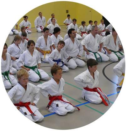 Die Karateschule DO Karate zählt über 350 Kinder, Jugendliche und Erwachsene