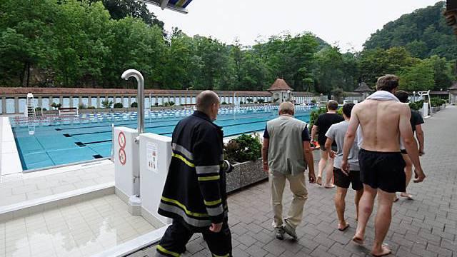 Szene im Schwimmbad La Motta