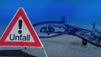 Der Velofahrer wurde beim Sturz leicht verletzt. (Fotomontage/Symbolbild)