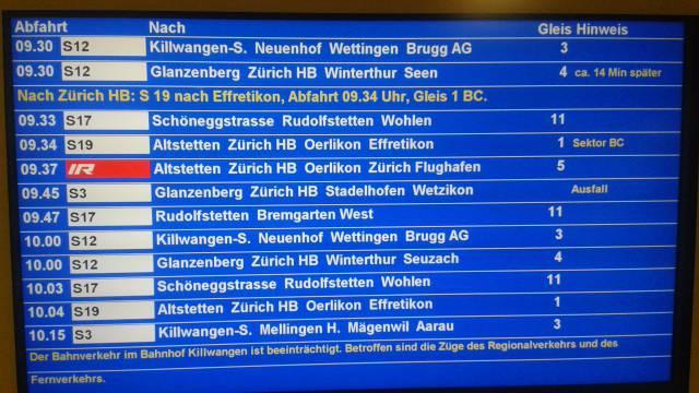 Zugausfälle wegen Störung am Bahnhof Killwangen-Spreitenbach. Im Bild: Anzeigetafel im Bahnhof Dietikon, 10.04.17.