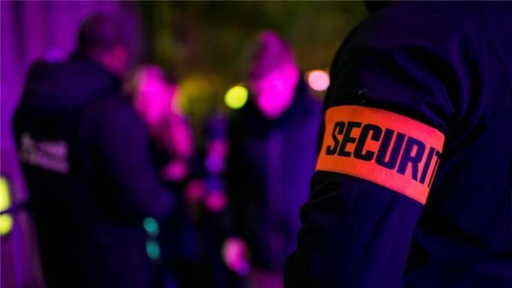 Seit Inkrafttreten der kantonalen Vorgaben für Sicherheitspersonal wurden schon mehrere Clubbetreiber oder Veranstalter verzeigt. (Symbolbild)