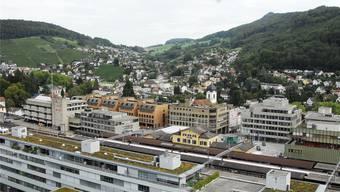 Blick von Baden nach Ennetbaden: Seit einem Jahr steht ein Zusammenschluss zur Diskussion.