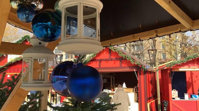 Schlussspurt im Weihnachtsdorf