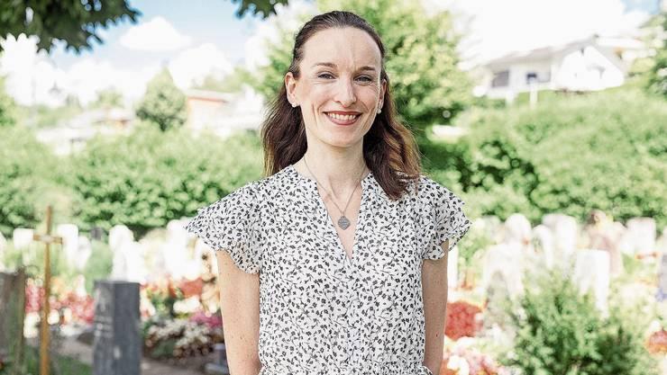 Beerdigungen sind ihre Leidenschaft: Die 38-jährige Cindy Studer aus Oberlunkhofen ist Personal Pastor.
