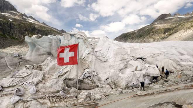 Im August dieses Jahres wurde der Rhone-Gletscher mit Abdeckungen vor der Hitze geschützt. Foto: Reuters
