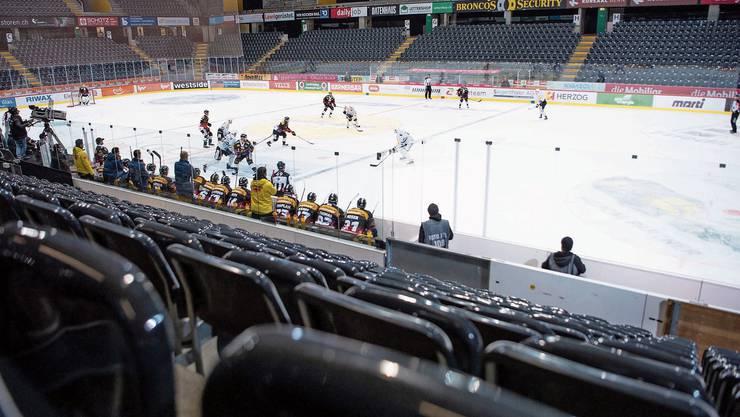 Gespenstische Atmosphäre in der Post-Finance-Arena.