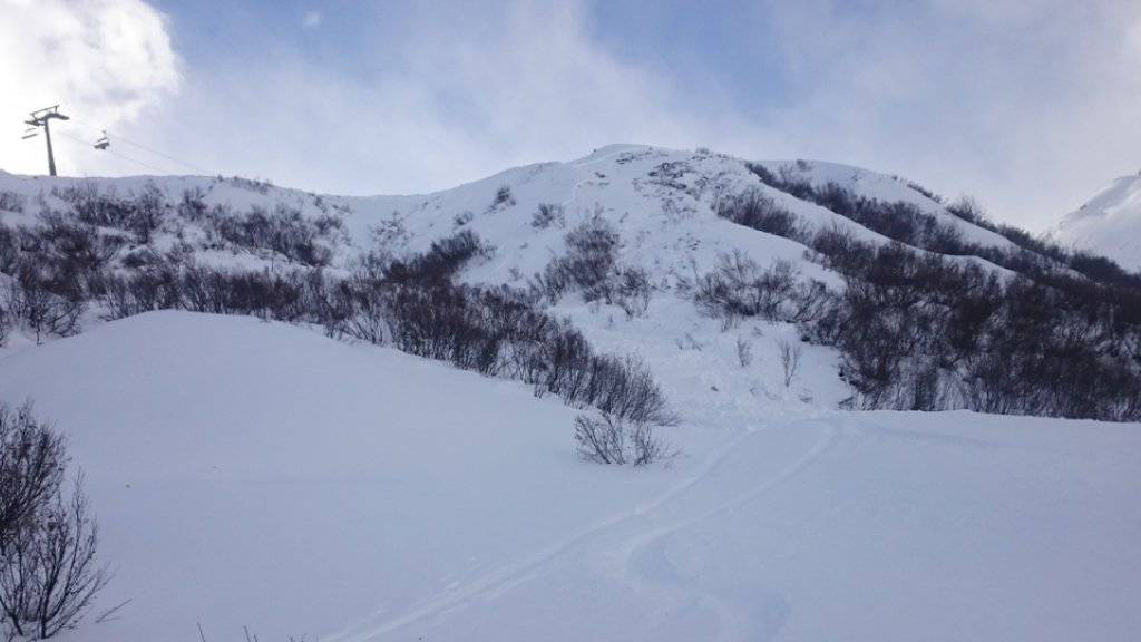 Abseits der Pisten im Val da Giuv löste der Skifahrer das Schneebrett aus.