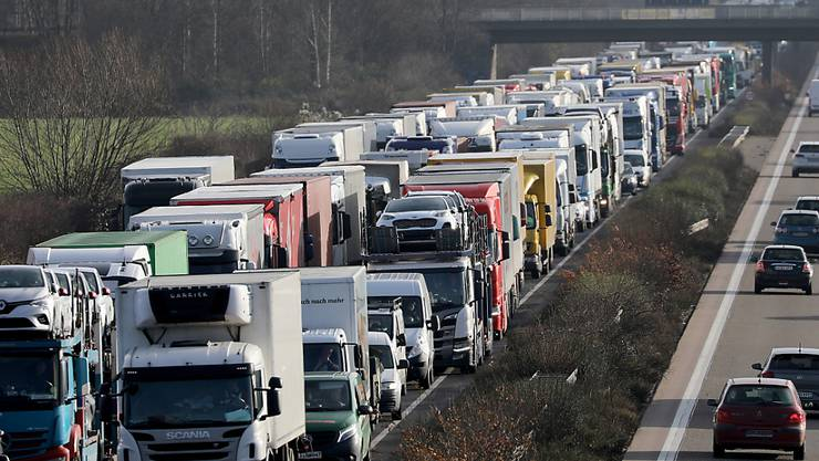 Im letzten Jahr sind in Europa mehr Lastwagen auf die Strassen gekommen. (Archivbild)
