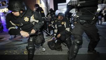 Wenig zimperlich: US-Polizisten in Las Vegas.