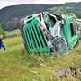Am Montagmorgen stürzte ein Milchtransporter am Passwang (SO) 80 Meter in die Tiefe. Der Fahrer verletzte sich dabei mittelschwer