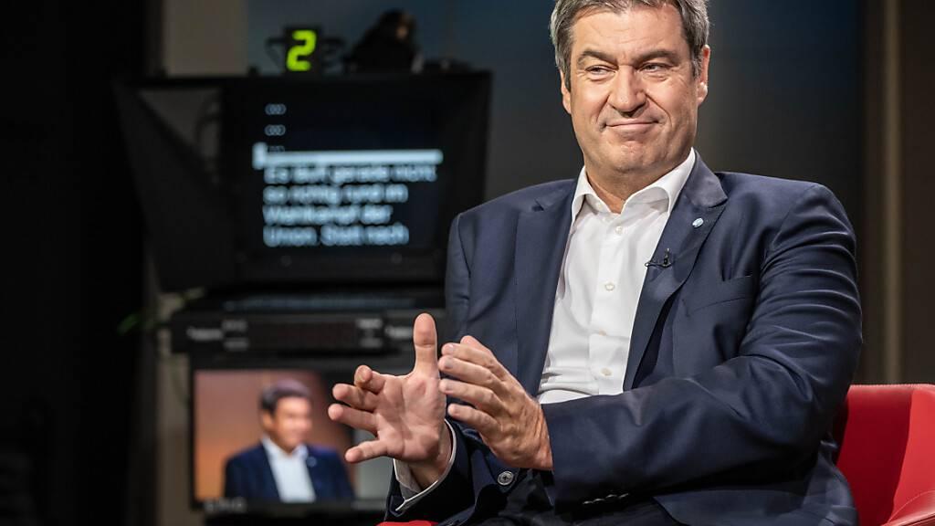 Markus Söder, Vorsitzender der CSU und Ministerpräsident von Bayern, beim ARD-Sommerinterview. Söder bezichtigt Kanzlerkandidat Scholz der «Erbschleicherei». Foto: Michael Kappeler/dpa-Pool/dpa