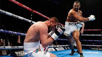 Die Schmach von London: Arnold Gjergjaj wird von David Haye im Mai nach allen Regeln der Box-Kunst vorgeführt.
