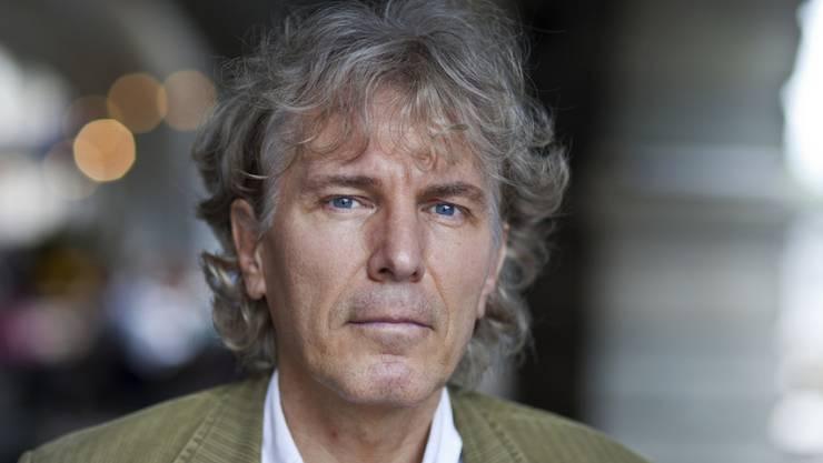 """Der Zürcher Autor Rolf Lappert wurde bereits mit dem Schweizer Buchpreis ausgezeichnet. Sein Können stellt er nun mit dem Roman """"Leben ist ein unregelmässiges Verb"""" erneut unter Beweis. (Archivbild)"""