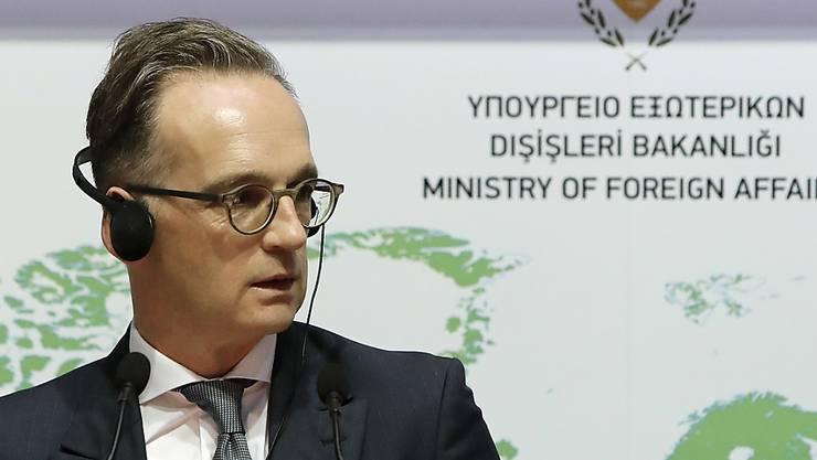 Heiko Maas (SPD), Bundesaußenminister, spricht während einer Pressekonferenz im Haus des Außenministeriums im geteilten Nikosia, Zypern. Foto: Petros Karadjias/AP/dpa