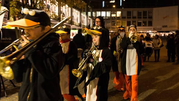 Die Notenklecksler spielten ihr Repertoire auf dem Schlossbergplatz