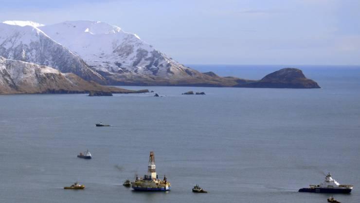 Die Shell-Öl-Bohrplatform vor der Küste Alaskas. Shell hat den Stopp der umstrittenen Ölbohrungen angekündigt. (Archiv)