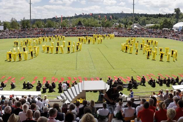 Schlussfeier des Eidgenössischen Turnfestes in Aarau: STV Grossgruppe Colors, Silver