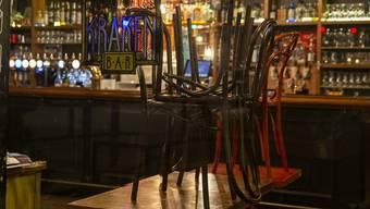 Der Lockdown hält noch an. Viele Betreiber von Restaurants, Läden und kleinen Betrieben hoffen auf eine baldige Lockerung. (Bild: Keystone)